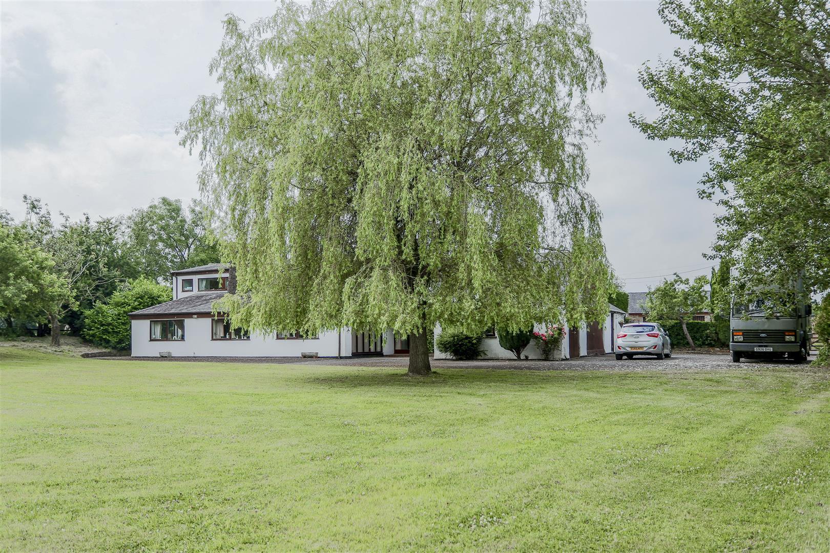 5 Bedroom Farmhouse For Sale - 35.JPG